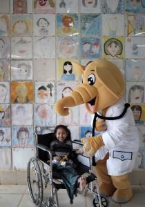 ラオフレンズ小児病院1周年B