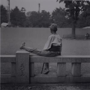 鬼海弘雄《義足の老人》1974 ⒸHiroh Kikai