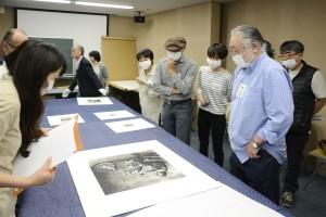 当館所蔵のプラチナ・プリント発明者のプリントから現代の作品まで、約140年間を2時間で鑑賞。