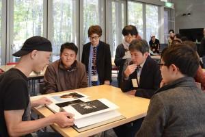 今年ZEN PHOTO GALLERYより出版された写真集について語る有元伸也さん。