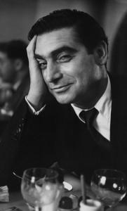 ロバート・キャパ(ルース・オーキン撮影、1952年) ⒸMagnum Photos