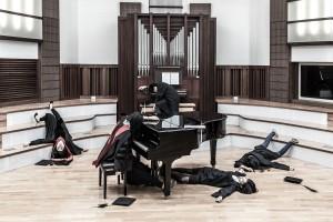 ウォン・ウェイ・チョン(台湾)《卒業生の死(音楽学部)》2014 WONG Wei Chung, Death of Graduating Students. (Musicians), 2014 ⒸWong Wei Chung
