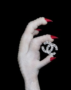 ミンヒー・アン(韓国)《あなたの手 #1》2014 Minhee AHN, Your Hands #1, 2014 ⒸMinhee Ahn